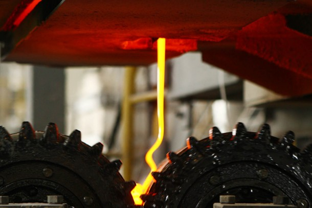 Production of insulation glass at OJSC Iskra. Photograph: Patrik Rastenberger