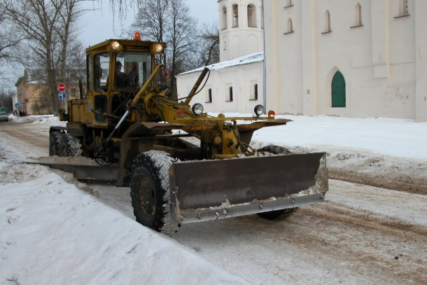 Snowy streets in Novgorod. NEFCO's loan will upgrade the city's fleet of street-cleaning vehicles.