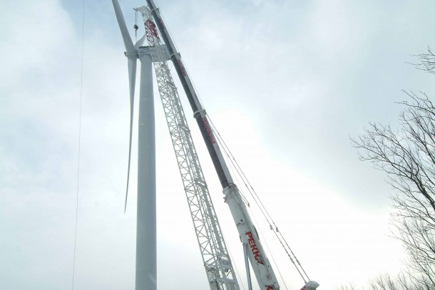 Erecting a wind mill in Estonia. Photo: Nelja Energia