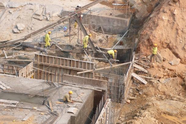 Construction of a water dam at Bac Ha in northern Vietnam. Photo: Tommi Tynjälä