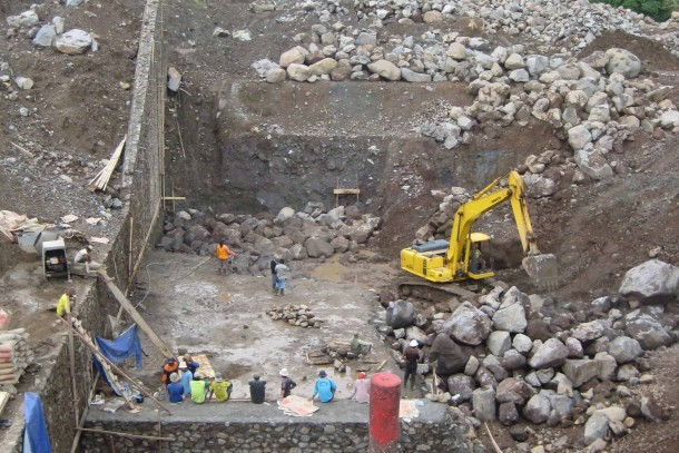 Construction work at Lebong hydro power station in Indonesia. Photo: Maija Saijonmaa