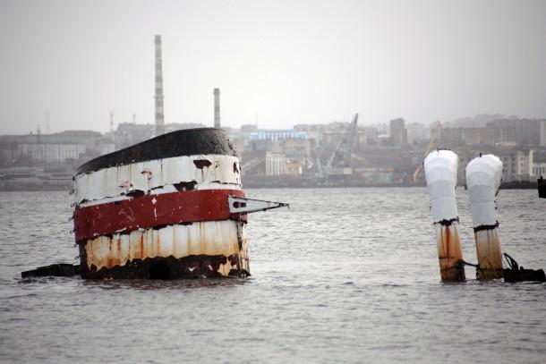 Sunken ships in the Kola Bay pose an environmental threat. Photo: Patrik Rastenberger