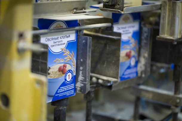 Packaging of Myllyn Paras oat cereals at Zhitnevo, Russia. Photo: Valery Gorchakov
