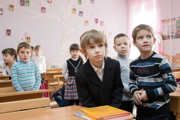 Ukrainian school children will benefit from the investments in Kramatorsk and Pavlograd. Photo: Patrik Rastenberger