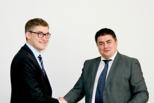 Managing Director Magnus Rystedt, NEFCO and Deputy Prime Minister Octavian Calmic, Moldovan Ministry of Economy after the signing. Photo: Carolina Sturza