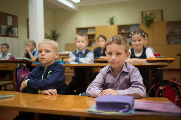 Schoolchildren in Ukraine. Photo: Patrik Rastenberger